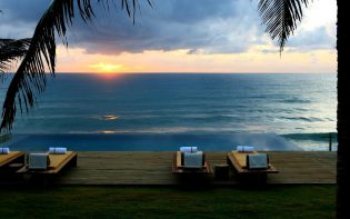 kenoa Beach Resort